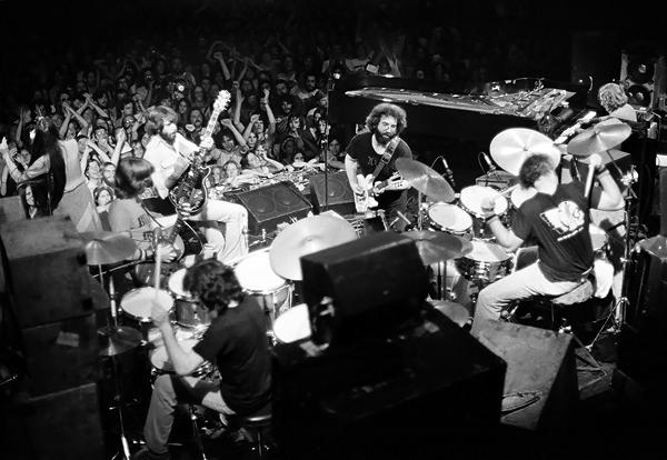Grateful Dead - Página 3 20130404-grateful-dead-1977-600x-1365096057