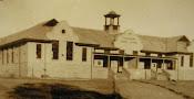 Kliek op skool van 1912 vir meer fotos