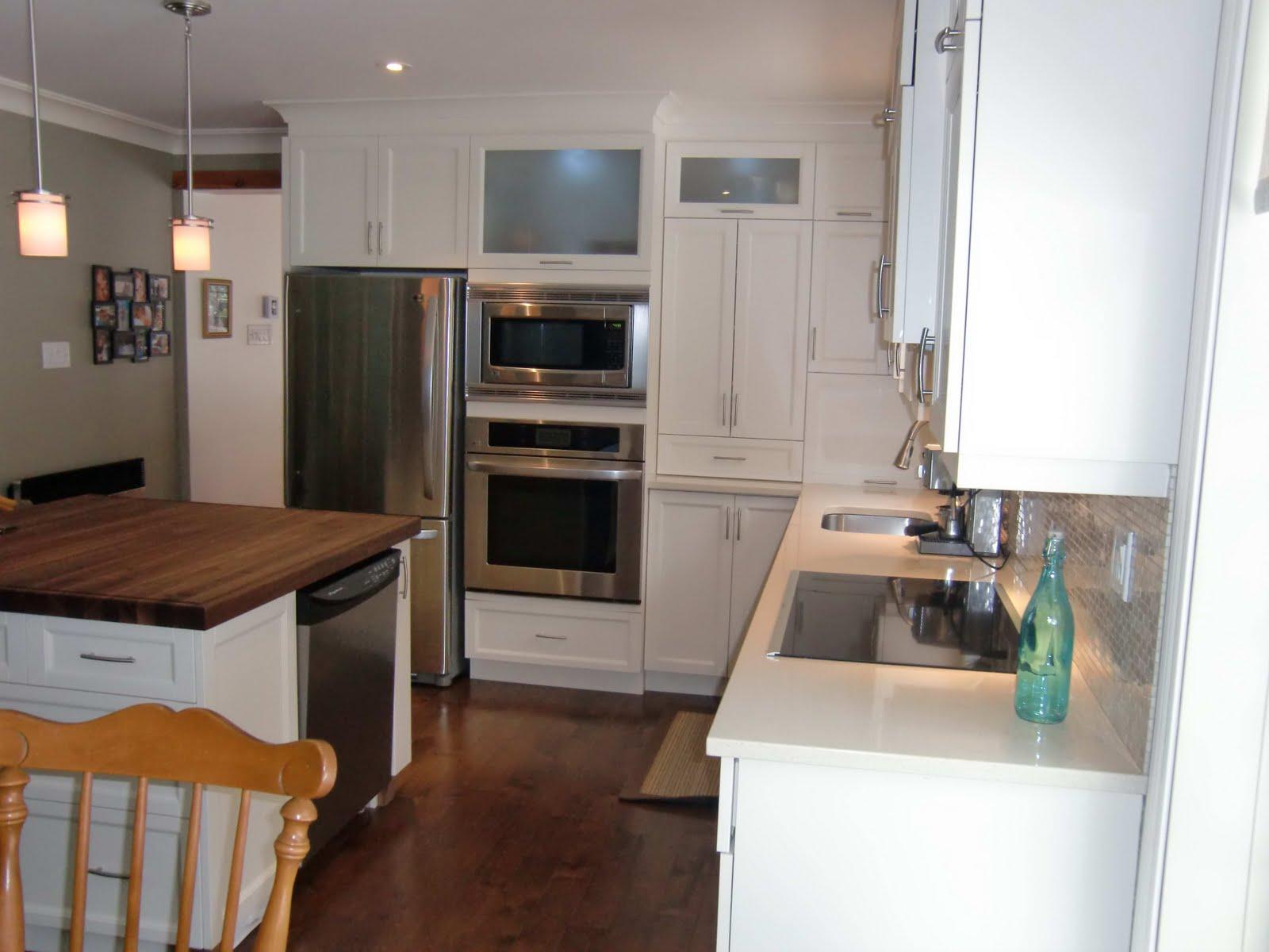 Specialit smm armoire de cuisine en thermoplastique blanc for Cuisine en i