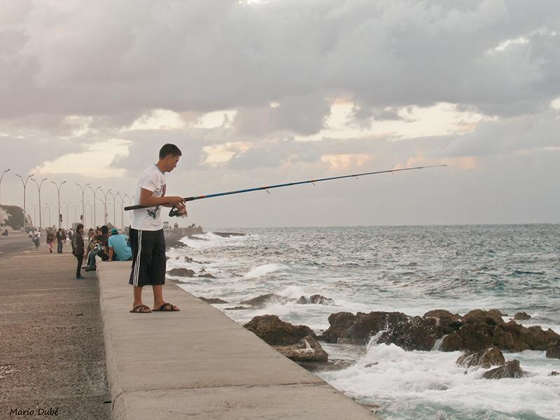 Pêcheur sur le Malecon