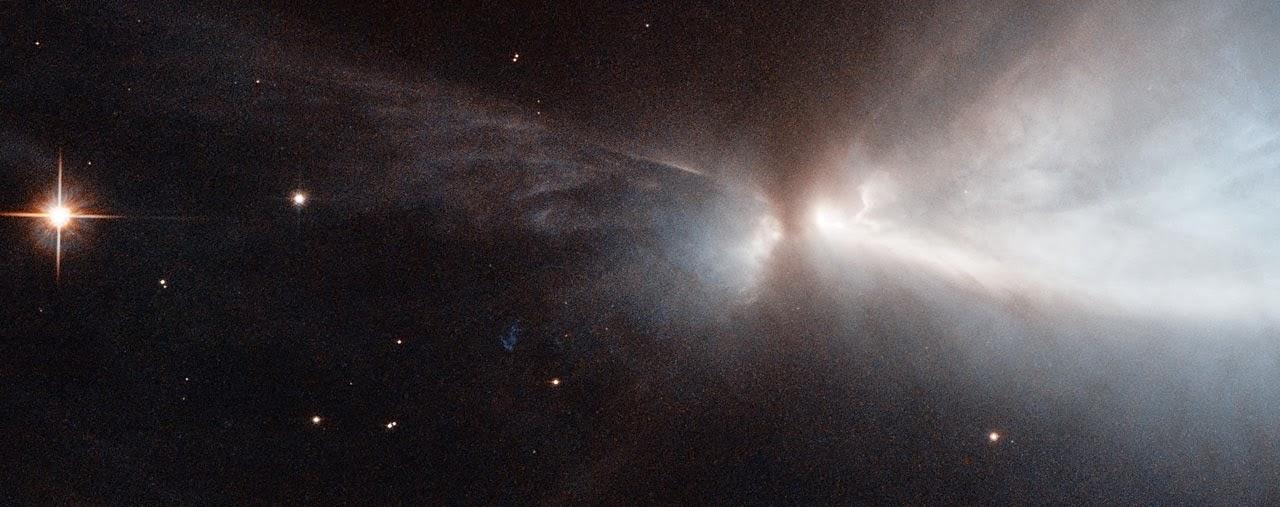 Новорожденная звезда в молекулярном облаке Хамелеон I