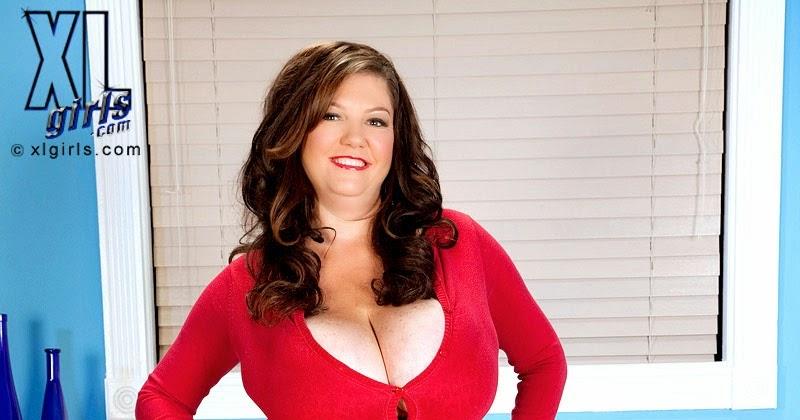 Diane Poppos Nude Photos 11