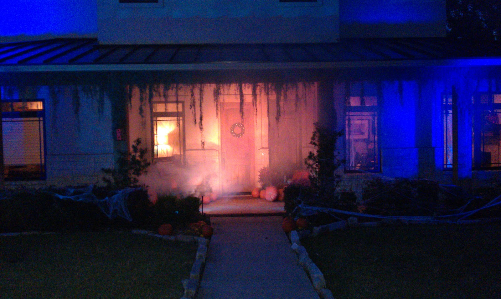 DALLAS LIGHT AND SOUND Haunted Mansion Halloween in a Crystal