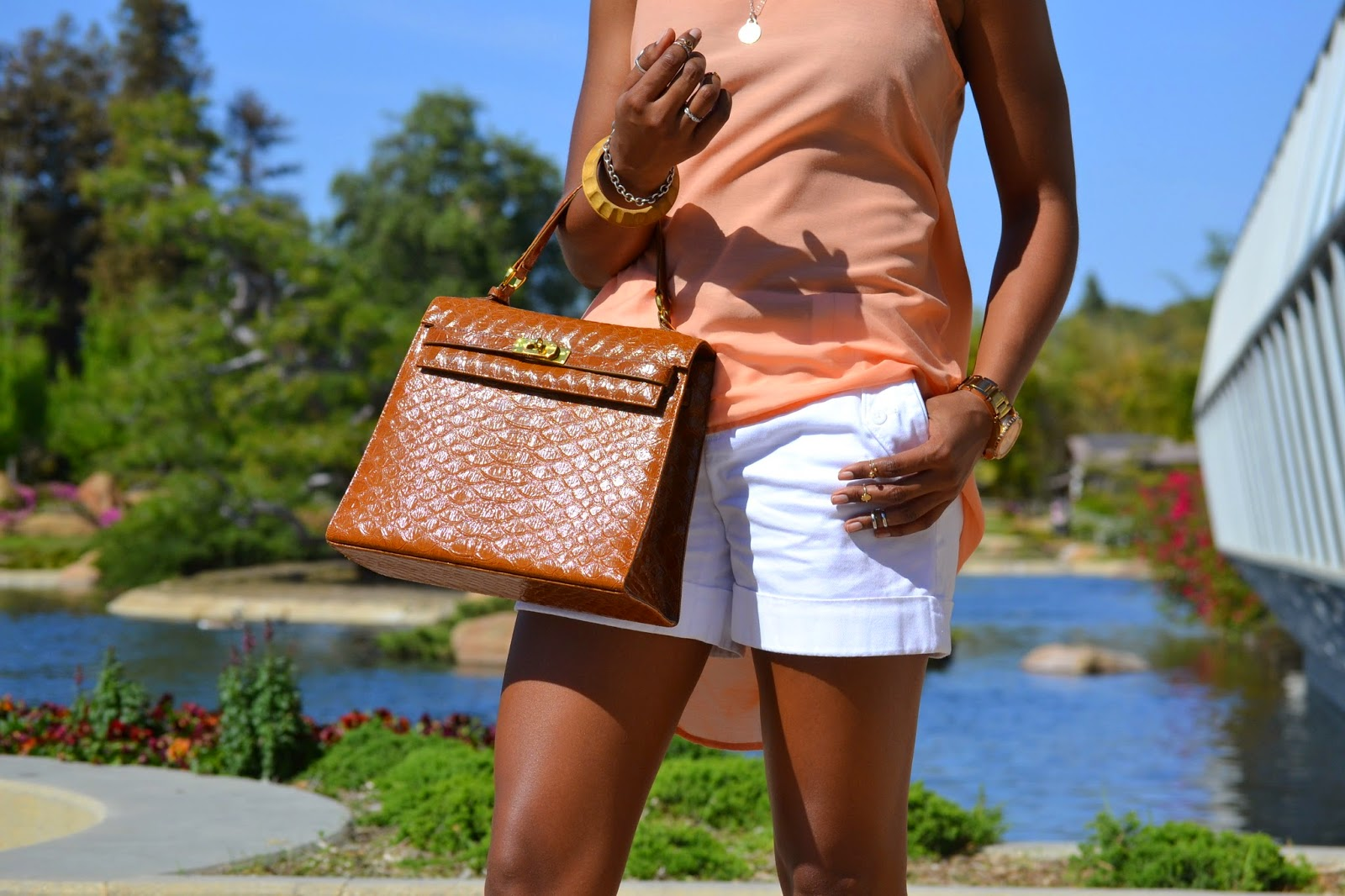 how to style a vintage bag
