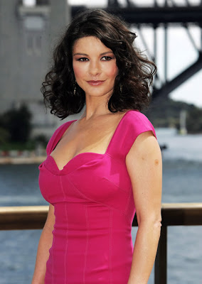 star 10: Beautiful British Women Alive Catherine Zeta-Jones Wallpapers, Photos & Hot Pictures