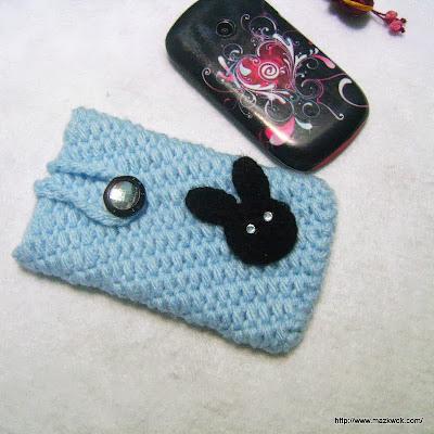 crochet seamless phone cozy