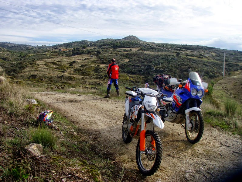 KTM Free Ride 350F. Africa Twin. Trail Forever. Portugal