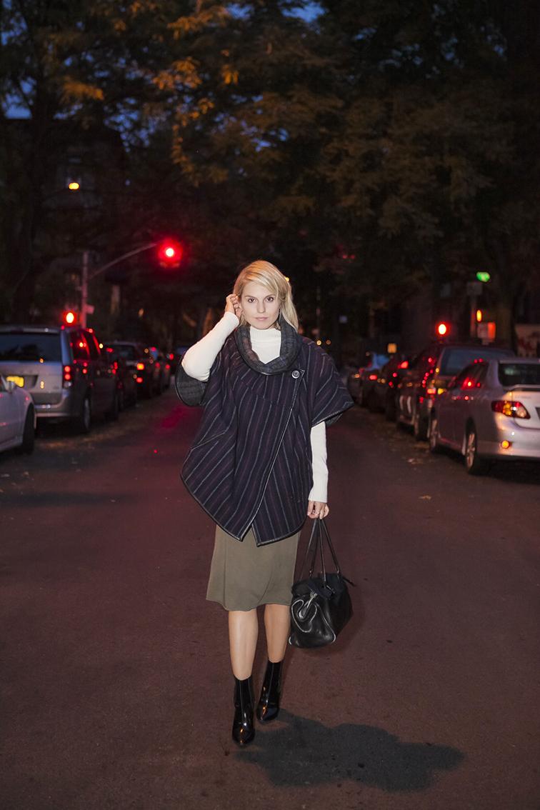 Suno poncho, Topshop dress, Pour la Victoire booties, Cowboysbag black leather tote