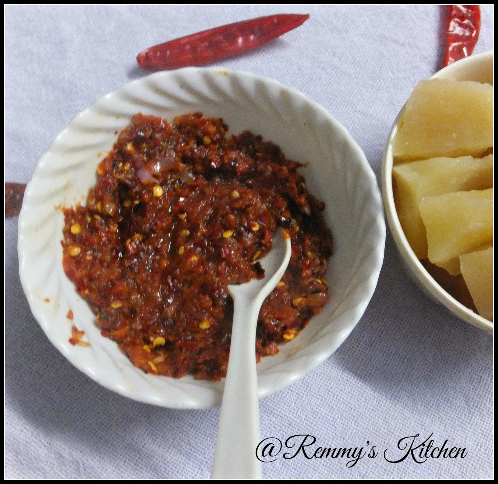 Mulaku chutney / Red chilly dip