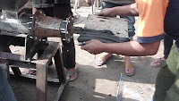 Mesin pencetak briket tempurung