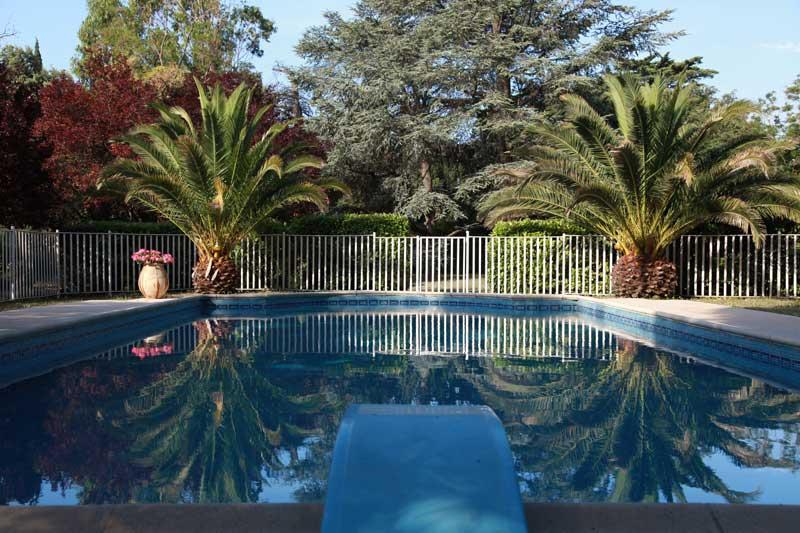 Omline blog g te de groupe avec piscine proche de for Gite aude piscine