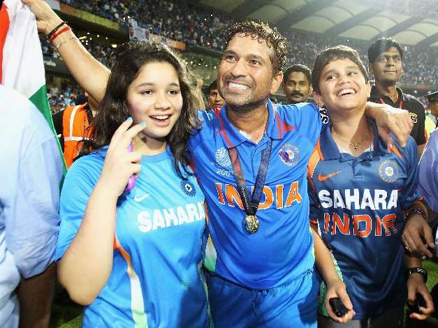 sachin world cup 2011 final images. worldcup2011 final sachin
