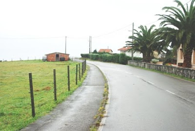 Caravia, Prado, descenso al arenal de Morís