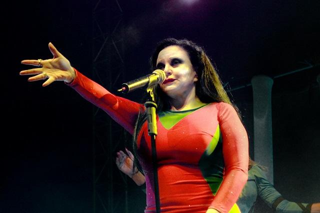 "Vocalista del grupo ""Fangoria"""