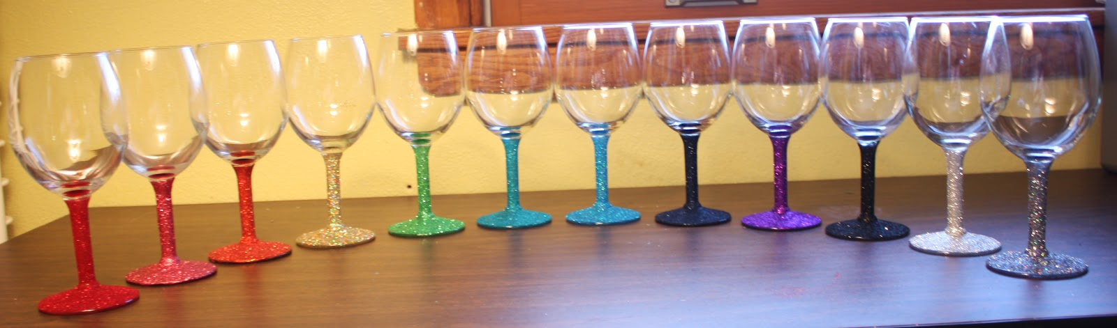 Artglitterblog celebrate in style with art glitter How to make wine glasses sparkle