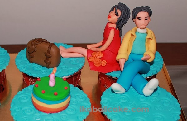 ika bali cupcake figurines travel