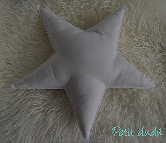 Cojín estrella Petitdudu