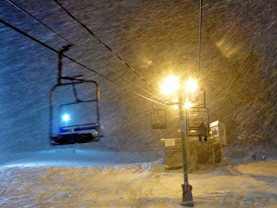 Snow coming down hard at West Mountain, Wednesday night 02/05/2014.  The Saratoga Skier and Hiker, first-hand accounts of adventures in the Adirondacks and beyond, and Gore Mountain ski blog.