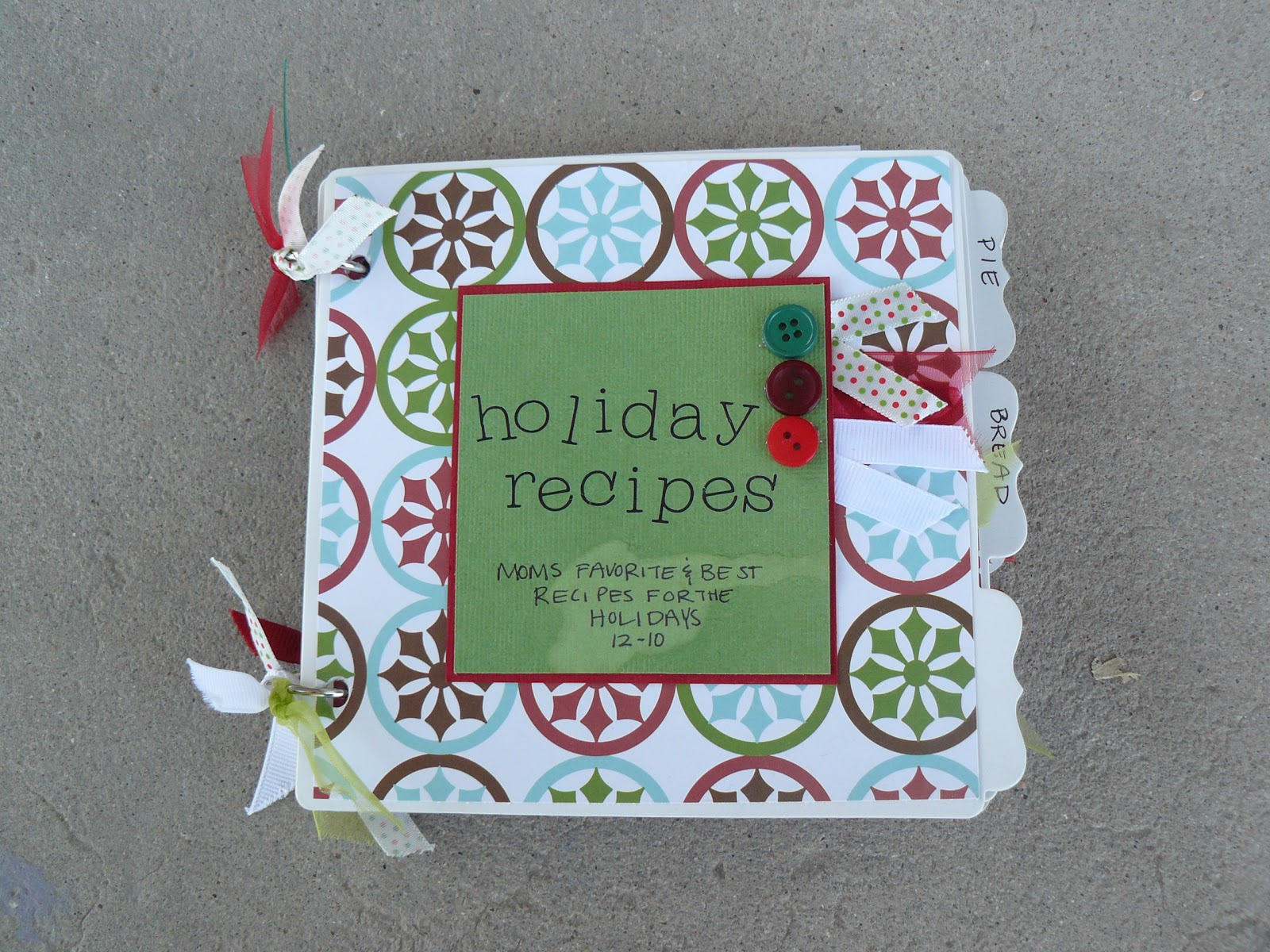How to scrapbook a recipe book - I Got The Pages For This Book At Michael S A Couple Of Years Ago I Covered Each Page With Scrapbook Paper And Made Recipe Card Pockets For Each Page Too