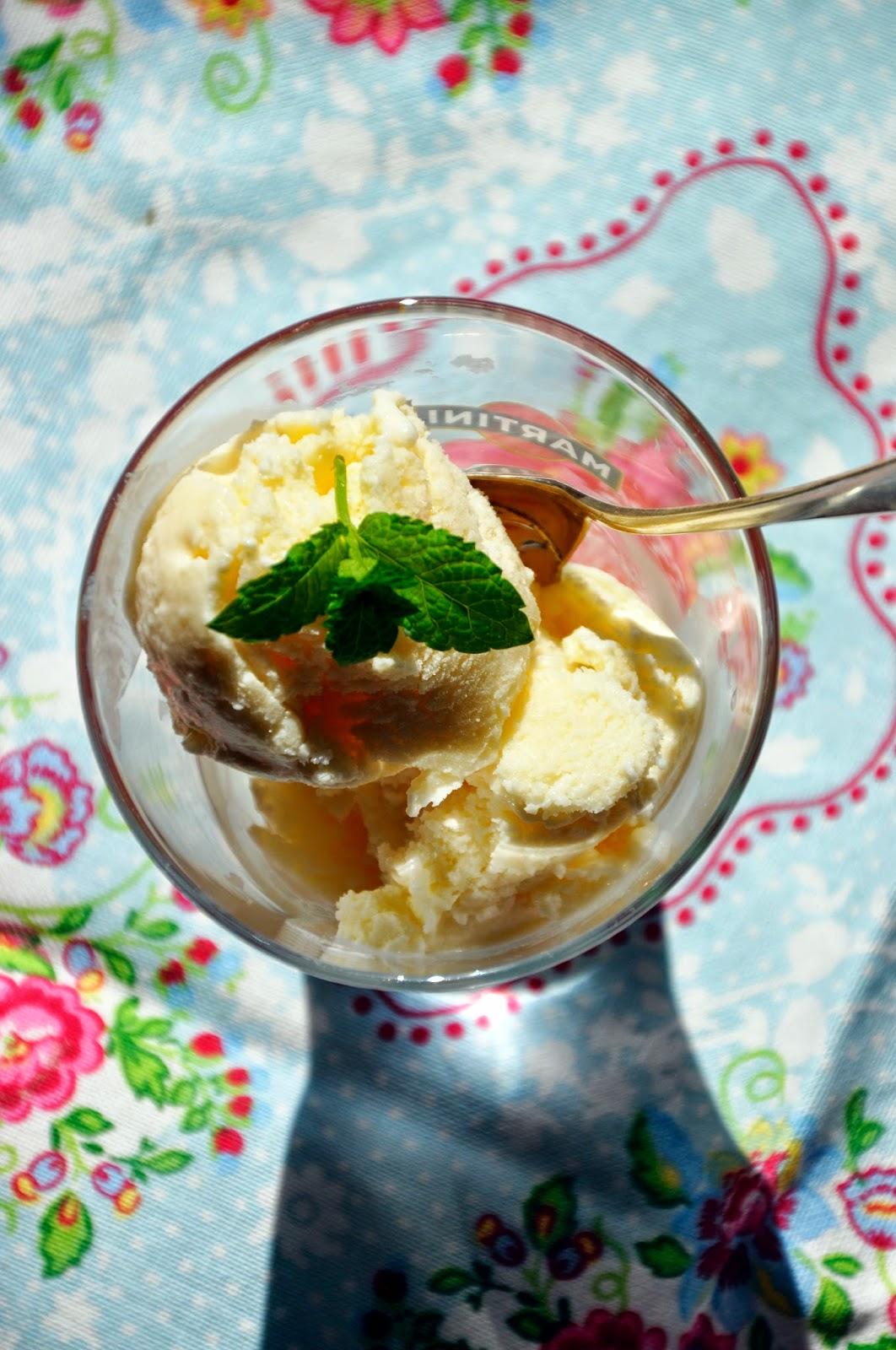 Szybko Tanio Smacznie - Greckie lody z białą czekoladą