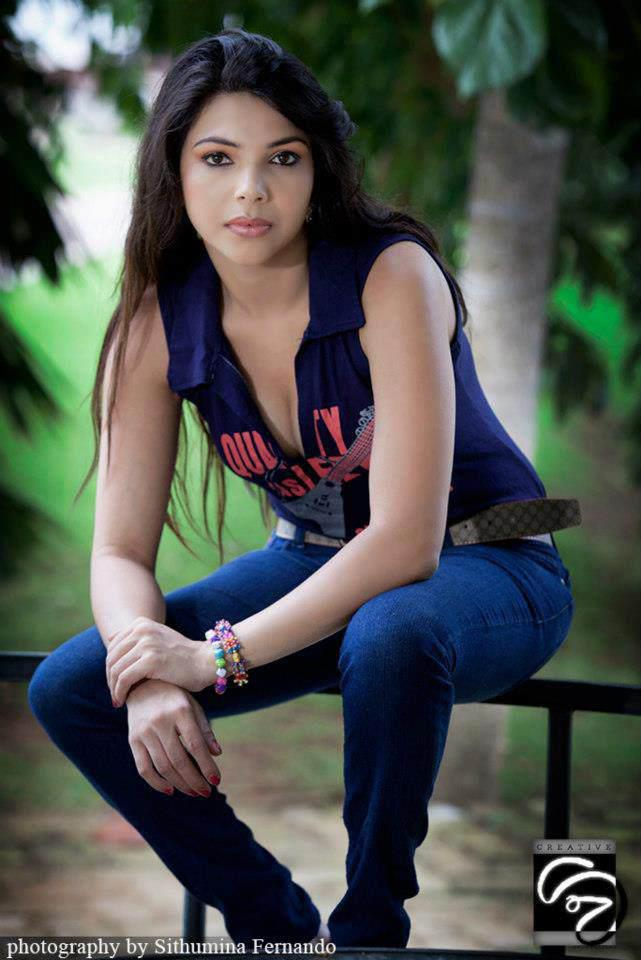 Hot Sl Actress: Shashi Pink Hot
