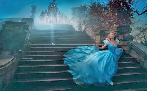 Scarlett Johansson en el papel de una hermosa Cenicienta