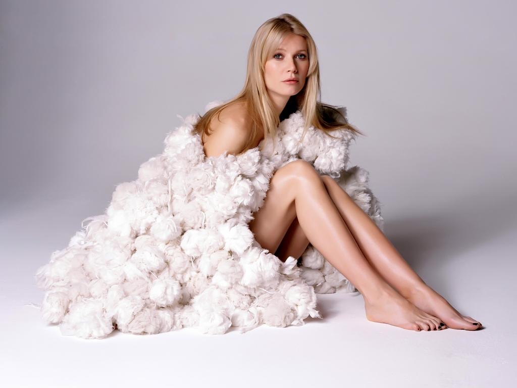 http://4.bp.blogspot.com/-RPuHNIgqt2U/TkzyMVrphkI/AAAAAAAAG9U/RnjEhp0lxjg/s1600/Gwyneth+Paltrow+HD+Wallpaper.jpg