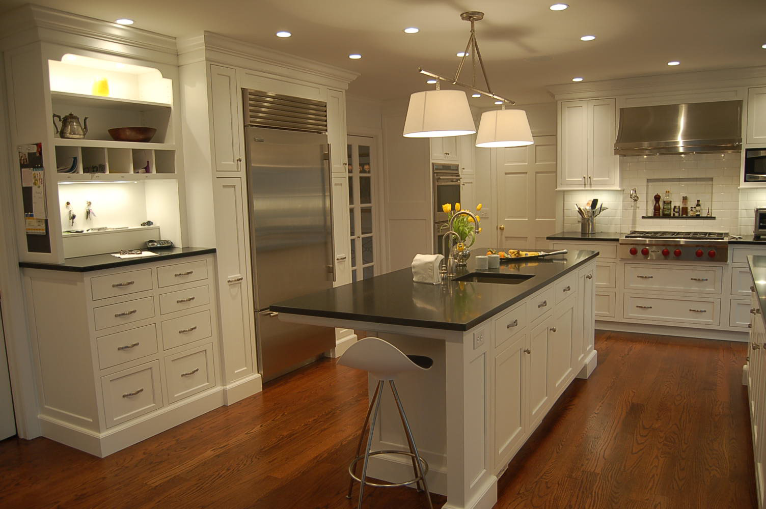 Stunning White Shaker Cabinets Kitchen Designs with Wood Floors 1504 x 1000 · 206 kB · jpeg