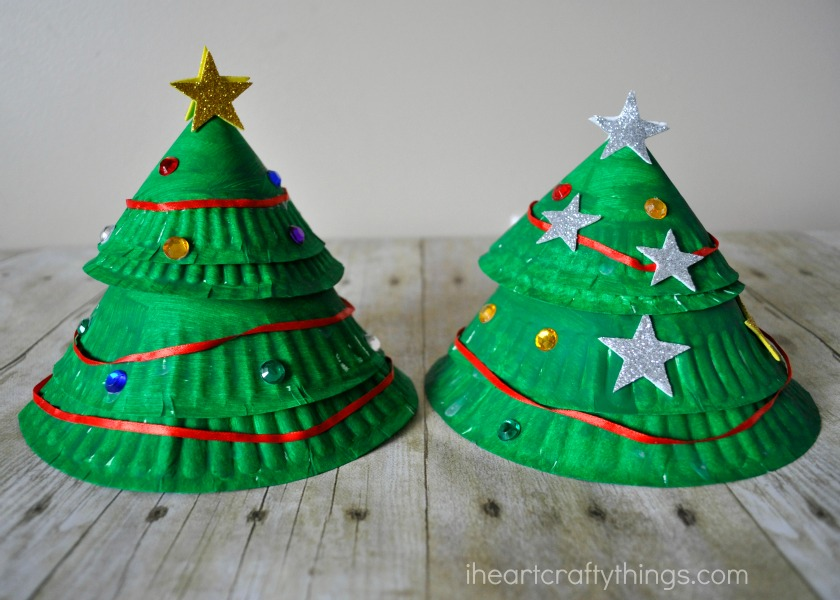 & Paper Plate Layered Christmas Tree Craft | I Heart Crafty Things