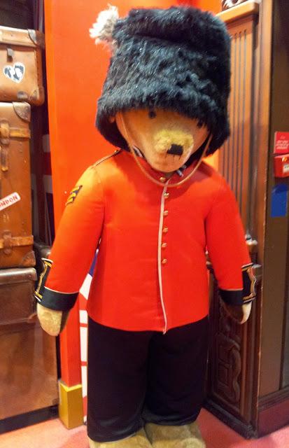 Hamleys, London, Toys, soldier, teddy