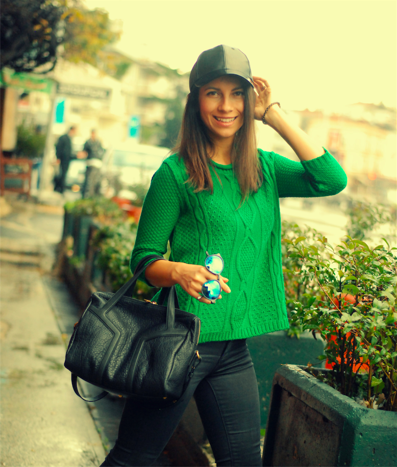 new look pullover,yesil combiner,bright colors,green,ysl bag,ysl easy bag,outfit,blogger,hat,cap,