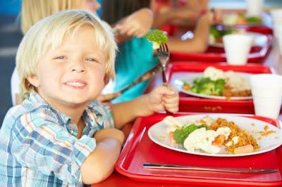 Trik Pemberian Makanan untuk si Kecil Juga Disesuaikan dengan Tren