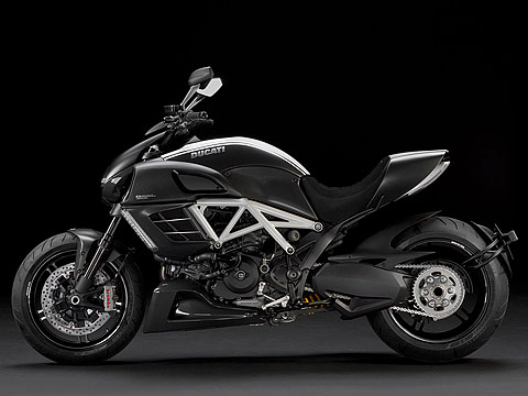 2012 Ducati Diavel AMG Special Edition Gambar Motor, 480x360 pixels