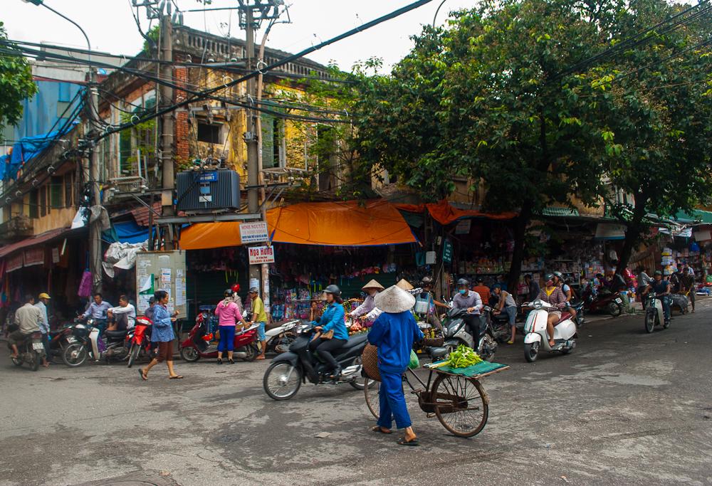 hanoi and the traffic