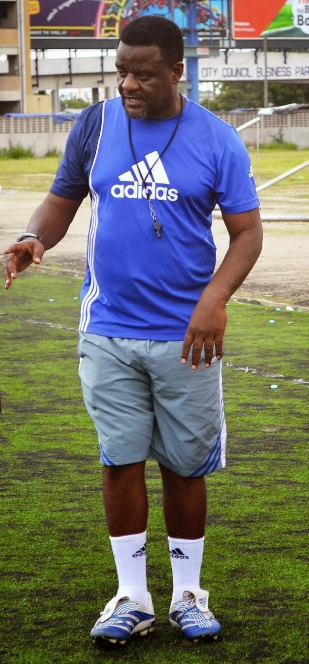 http://4.bp.blogspot.com/-RQj_viCJNwE/UrrHiJX4eWI/AAAAAAAAT58/waW_ta_dKac/s1600/mwambusi+coach.jpg