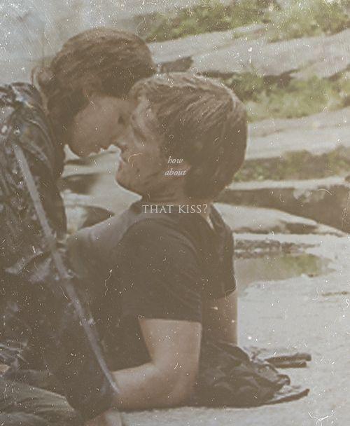 Peeta Katniss Relationship 2 Kiss Grli