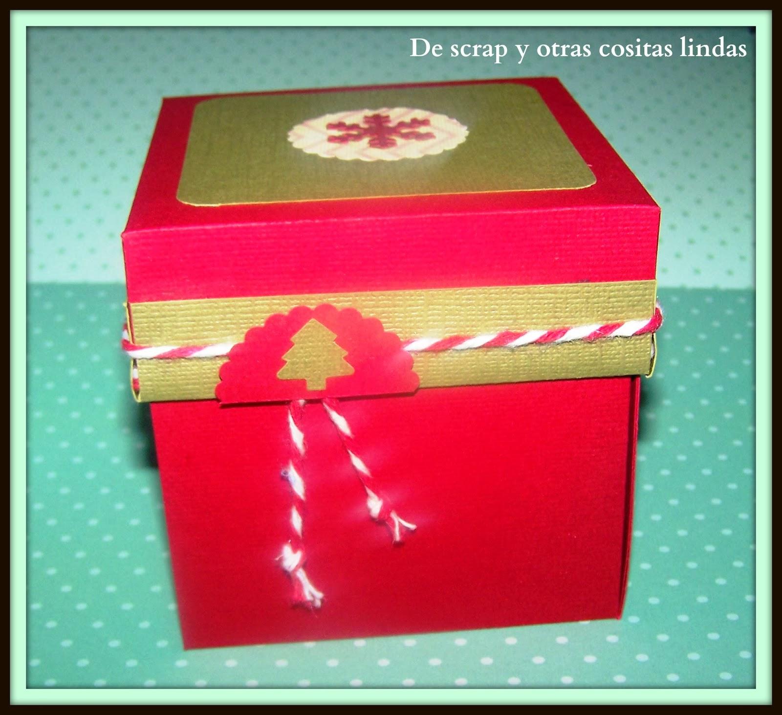 una caja llena de espacios para escribir cositas lindas poner fotos imgenes que de por si es un hermoso regalo que puede ser una tarjeta de
