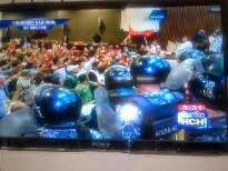 Honduras: Policía militar de JOH irrumpe en Congreso y desaloja a legisladores de Libre