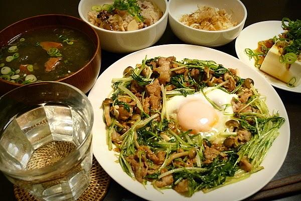 昨日の晩酌 ホタルイカとタケノコのご飯、水菜と豚肉の炒め