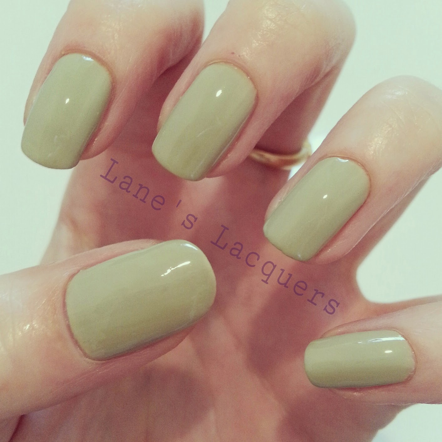 barry-m-summer-gelly-olive-swatch-manicure