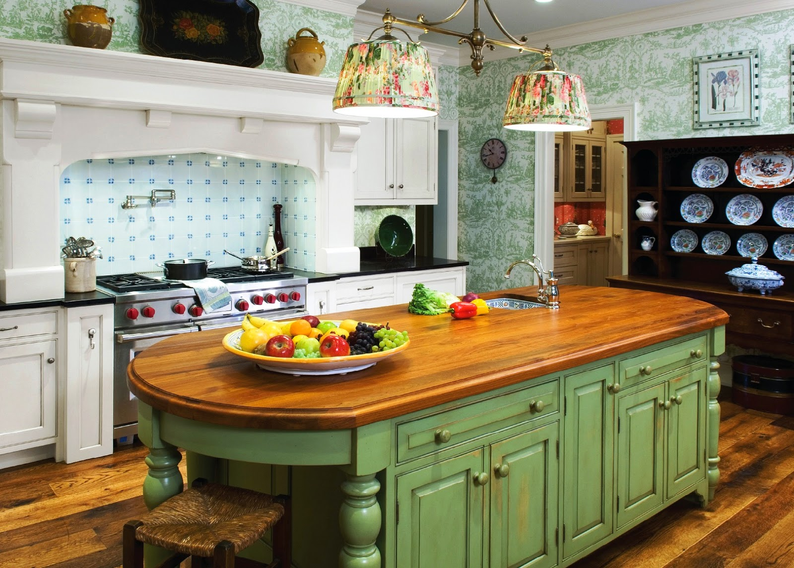 Remodeling your kitchen with flea market flair ideas for for Cottage kitchen lighting ideas