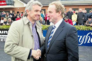 Ryanair's Michael O'Leary and the Irish leader Enda Kenny (Photo: Irish Independent)