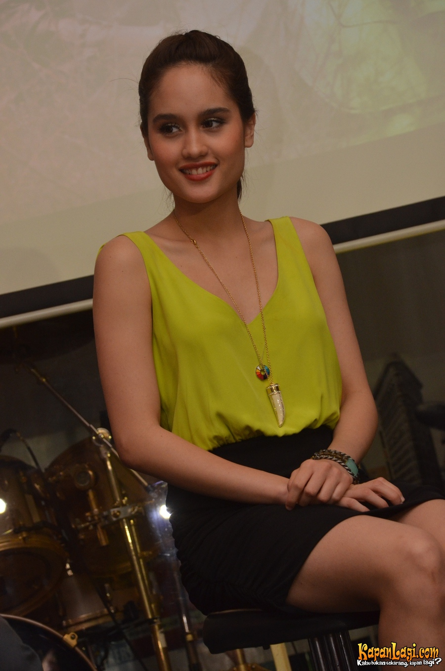 Pictures Gallery of Cinta Laura