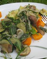 Karotten mit grünem Pilz-Gemüse