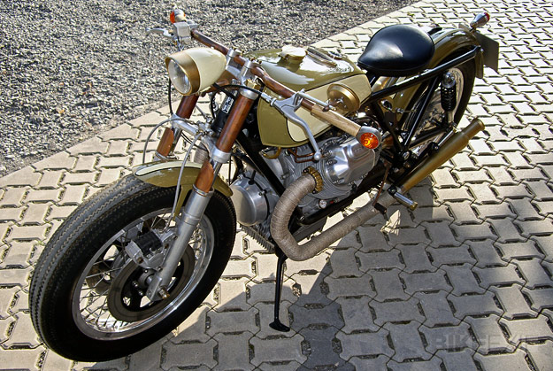 "Moto Guzzi Bobber   ""This vintage-themed Moto Guzzi looks like an Moto Guzzi 850T to me. And unlike most Moto Guzzi customs, it's not a Moto Guzzi café racer"
