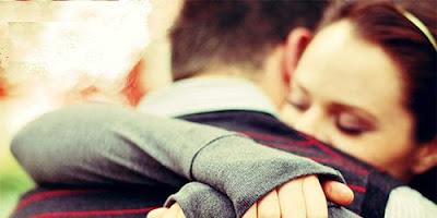 كيف تجعل فتاة جميلة تقع فى حبك وغرامك,امرأة تحتضن رجل فتاة شاب,WOMAN GIRL HUG MAN GUY