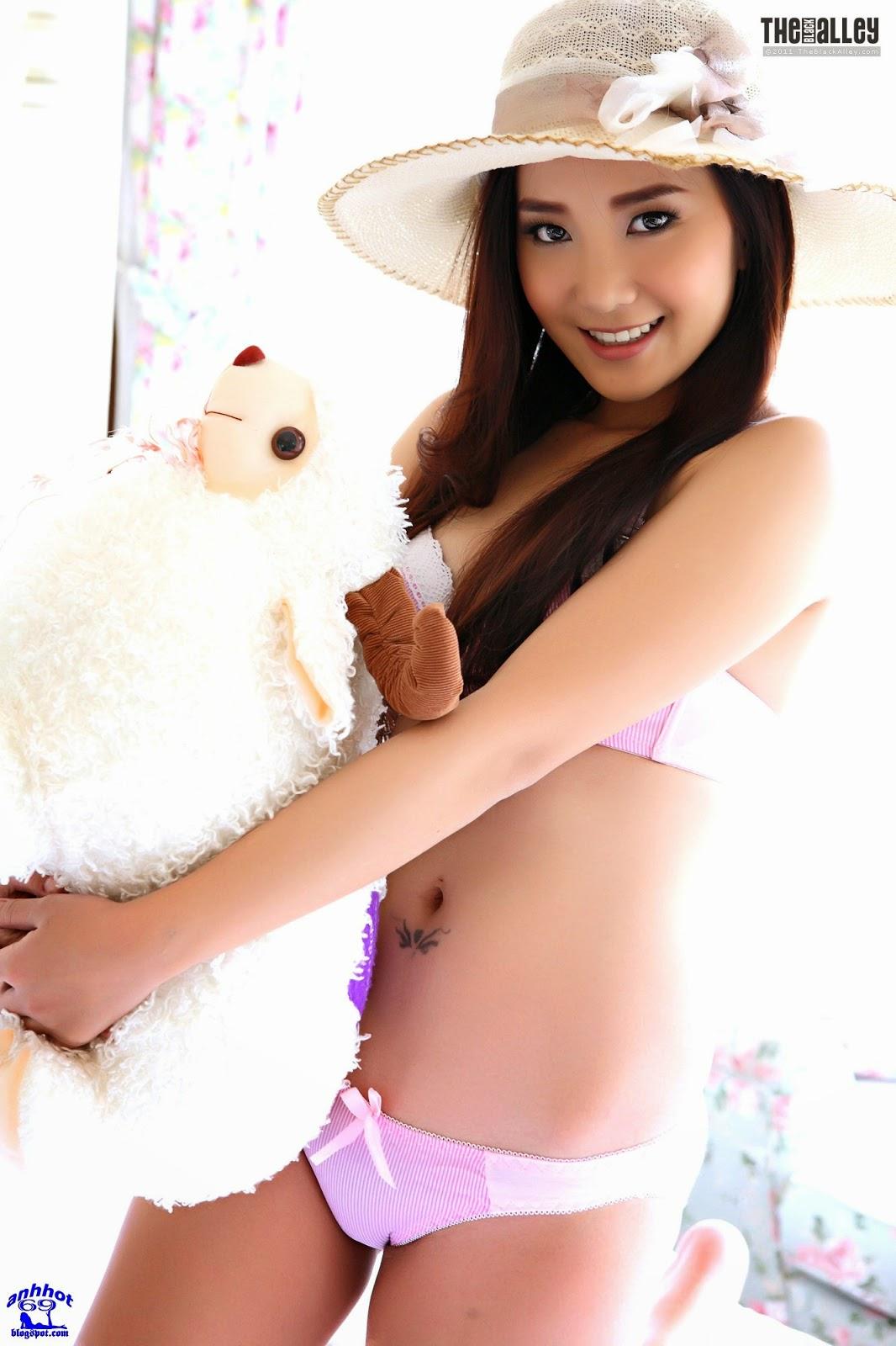 lolita-cheng-64-014