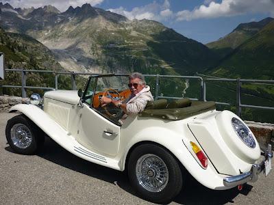Renzo Volpato a bordo de seu MP Lafer 1985 na Suíça - e poderia ser outro país?