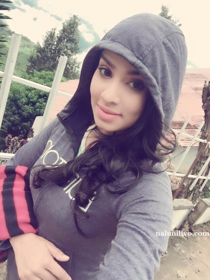 rithu akarsha Sri lankan sexy girl