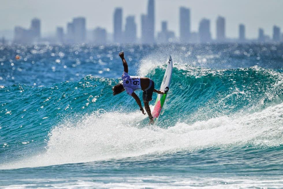 5 Quiksilver Pro Gold Coast 2015 Miguel Pupo Foto WSL Kelly Cestari